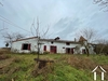 Property with a farmhouse to renovate 228m2 on a plot of 4,500m2 with in addition 33 hectares of agricultural land rented. Ref # MP2140