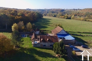 House with 6 rental units and pool in burgundy countryside