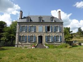Mansion for sale in CHAUDES AIGUES