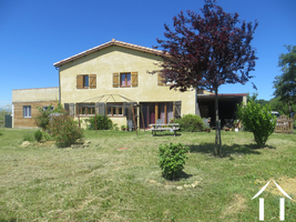 A beautiful domain with house 155m2, large barn, 4 unique cottages / Gites, swimming pool and 35 ha