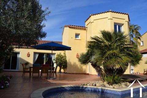 Villa in privileged location adjacent to the golfclub Ref # 11-2224