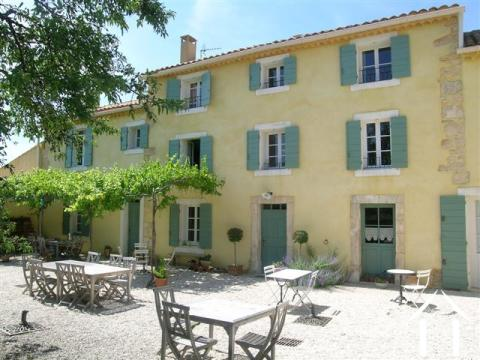 Restored Provençal Mas with pool views Ref # 43-1349