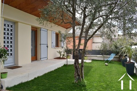 Renovated house with garden in the centre of Pézenas Ref # 18-3502