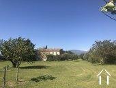 Propriété entourée des vignes ;vues sur Ventoux et Dentelles Ref # 11-2398 image 2