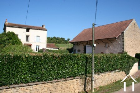 Detached 4/5 bedroom house, large barn, 2,3 hectare of land Ref # LB5029N