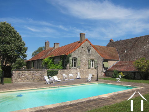 Grand wine estate house with pool Ref # MB1162S Main picture