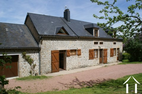 Charming Morvan Farmhouse Ref # RT4841P
