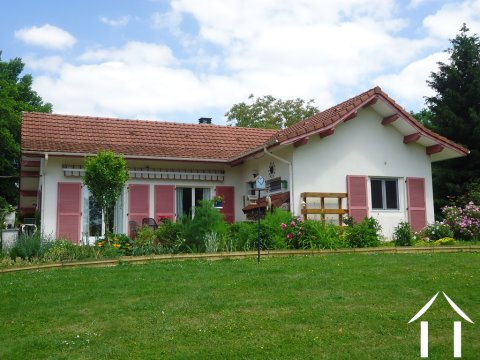 Nice villa with succesfull B&B and mini camp site  Ref # AH4937V