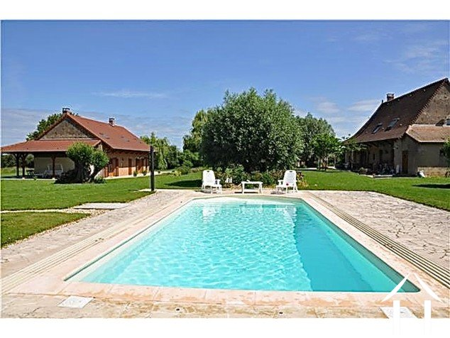 Beautiful farmhouse with succesfull B&B and pool