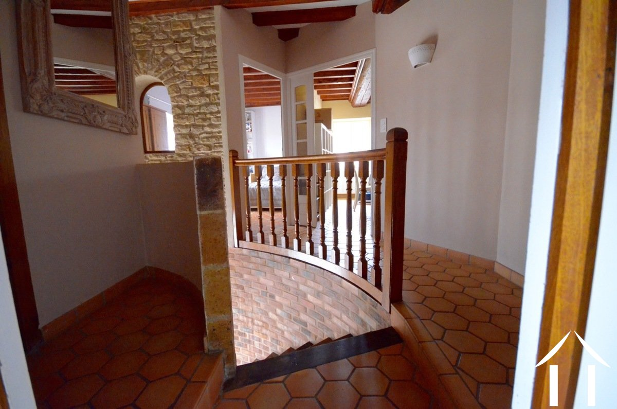 House for sale couches burgundy 9133 for Salle a manger 15m2