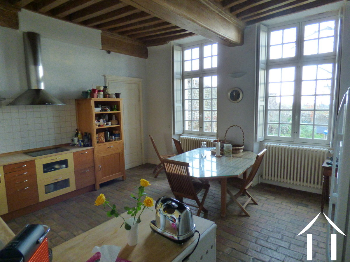 Character house for sale mercurey burgundy 11870 for Coin cuisine amenagee