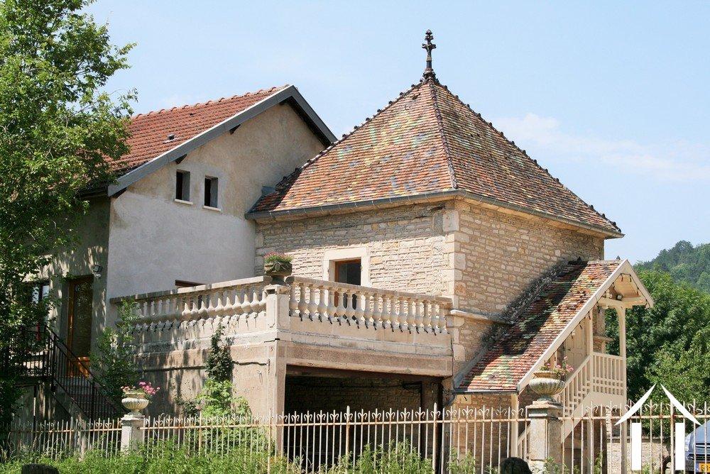 Maison de ma tre for sale fleurey sur ouche burgundy for Maison de maitre definition