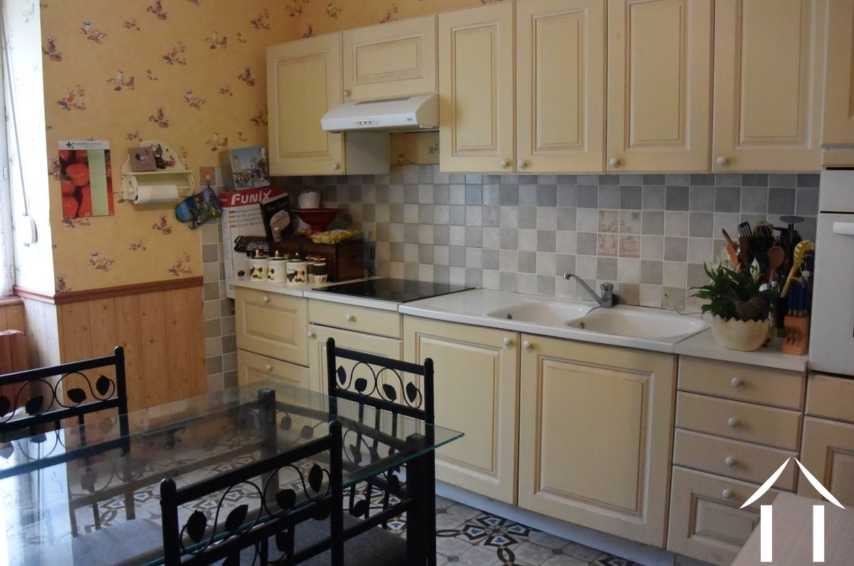 House for sale blanzy burgundy 12142 for Coin cuisine amenagee