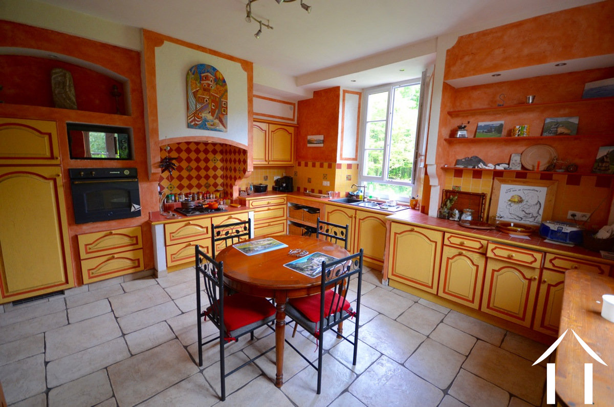 House for sale st berain sur dheune burgundy 12154 for Cuisine equip2e