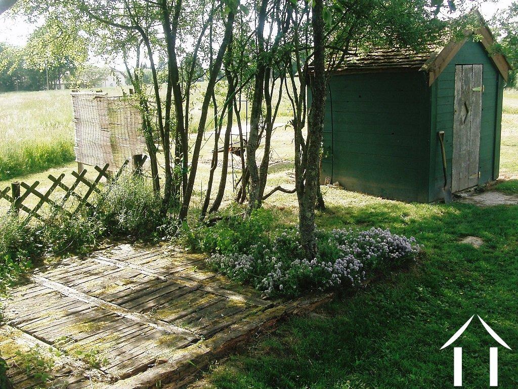 Farmhouse for sale st germain du bois burgundy 12171 for Garden shed 4 u