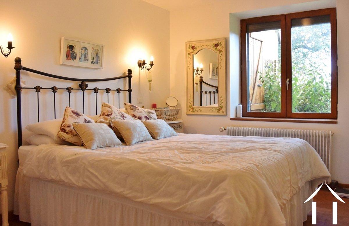 farmhouse for sale paray le monial burgundy 12950. Black Bedroom Furniture Sets. Home Design Ideas
