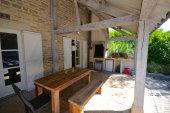 salon de été avec barbecue