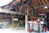 Grand garage ouvert