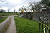 Private driveway & entrance