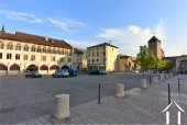 Market, abbey and tourist office 2 mins walk