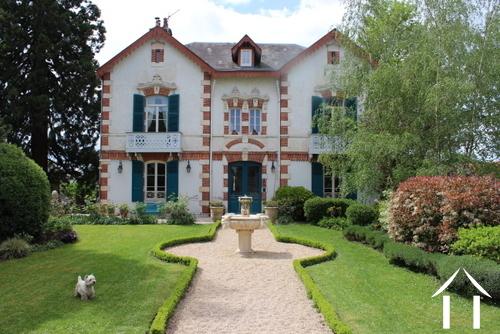 Maison de Maître with 4 B&B rooms for sale