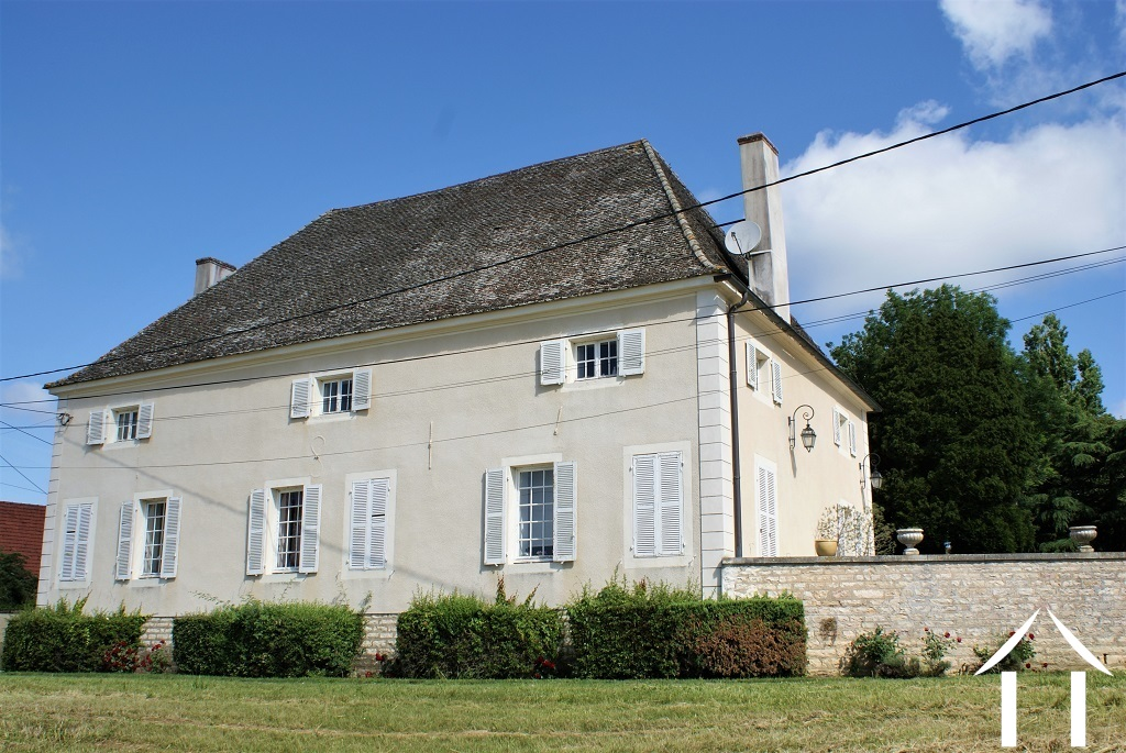 Classic manor house on the river Saone