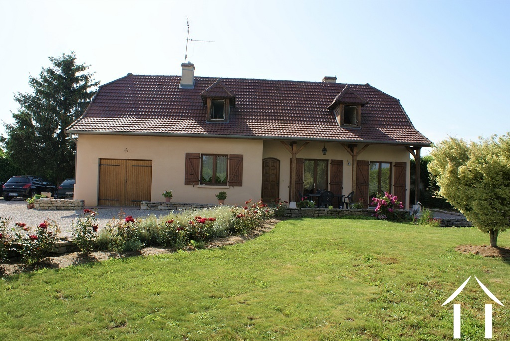 Comfortable family house with 4 bedrooms