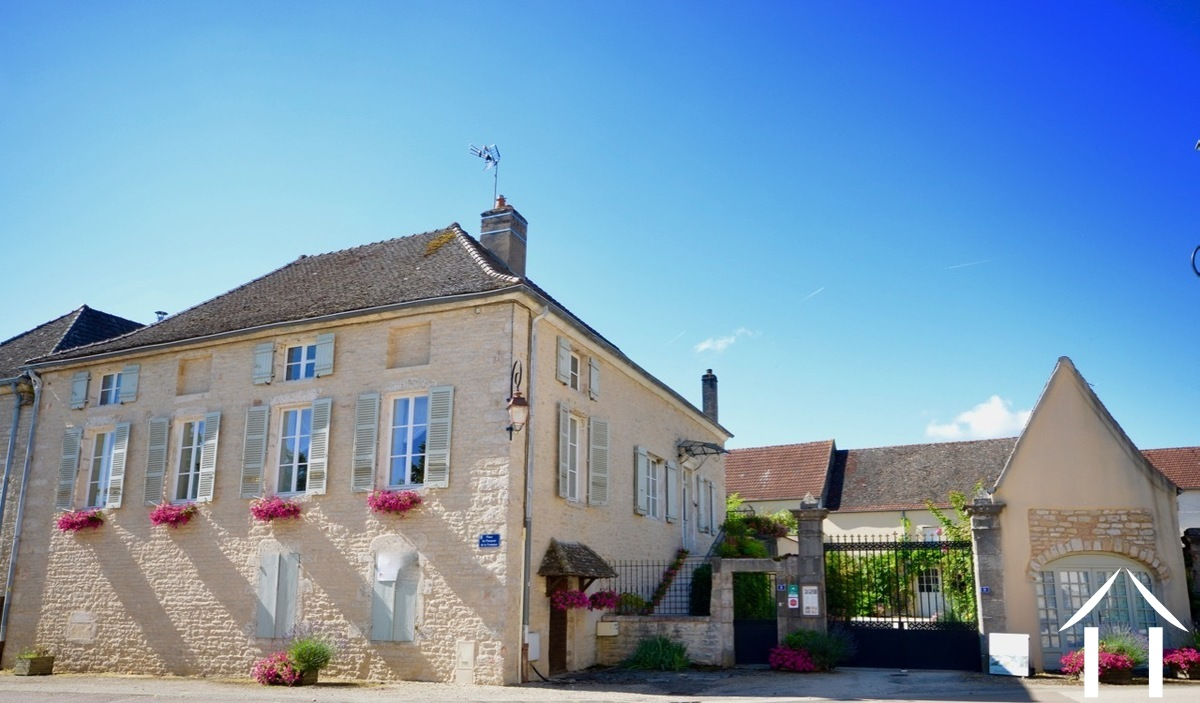 Prestige property in Puligny Montrachet