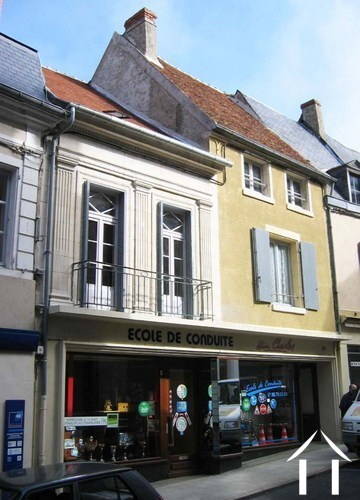 3 Gîtes for sale in historic city center