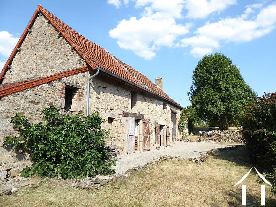 Converted farmhouse with guest house and barns