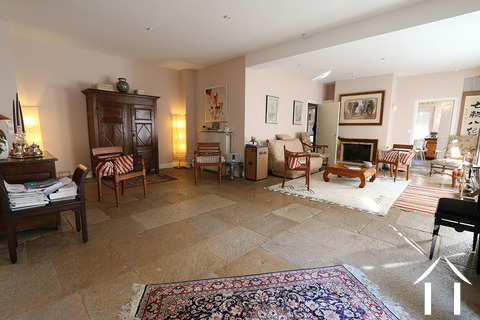Beaune centre, large house with wine cellar Ref # CR4921BS