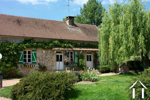 Farmhouse with guesthouse, vegetable garden, pond and land Ref # CR4942BS