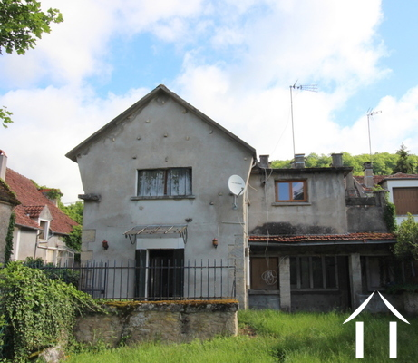 Village house to finish and to decorate close to Clamecy Ref # LB4996N