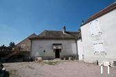 Large property with 2 rented apartments Ref # CR5030BS image 2 Salle de réception et caves