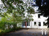Very quiet house with a garden adjacent to a small river Ref # MW5048L image 2 vooraanzicht