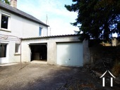 Very quiet house with a garden adjacent to a small river Ref # MW5048L image 17 dubbele garage