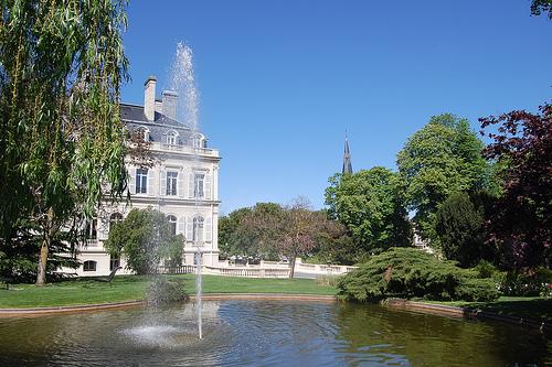 <en>History and beauty</en><fr>L'Histoire et beauté</fr><nl>Geschiedenis en schoonheid</nl>