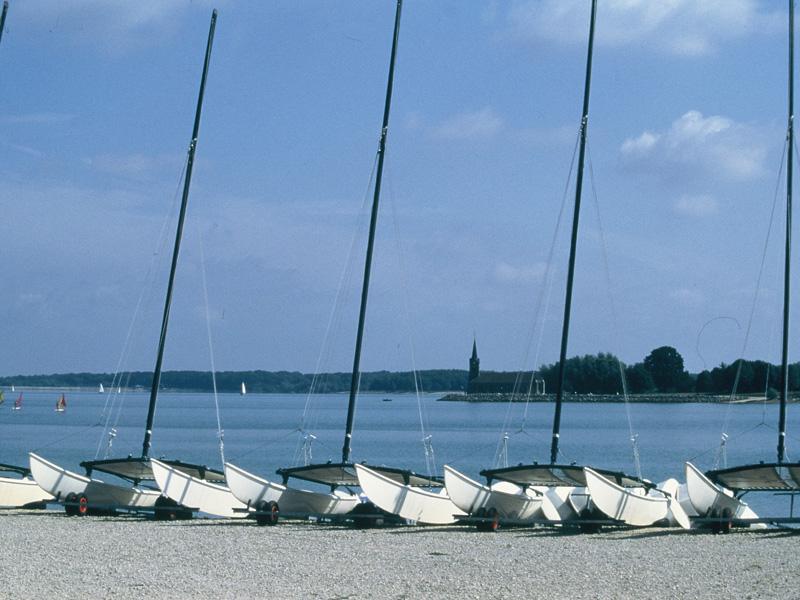 <en>Beautiful lakes</en><fr>Les lacs de Champagne</fr><nl>Champagne en meren</nl>
