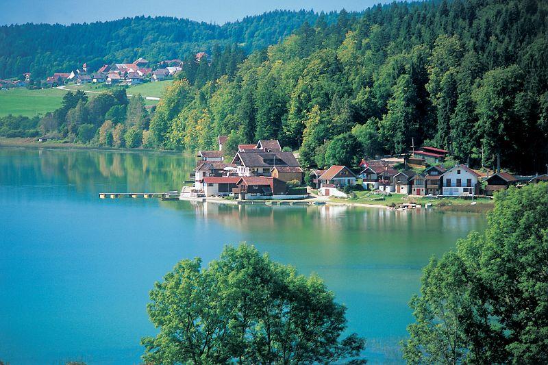 <en>Stunning lakes</en><fr>Beaux lacs</fr>