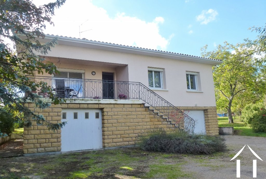 Spacious, House And Garden, Walking Distance To Village