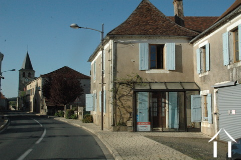 Create your B&B in lovely old village house in the Périgord. Ref # GVS4759C Main picture