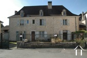 Beautiful Manor House with 3 appartments to renovate Ref # GVS4956C image 1
