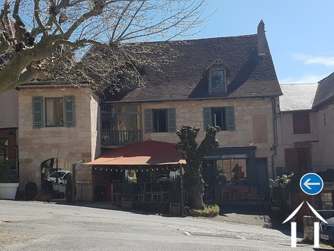Potential Property 2 apartm. + restaurant or 3 apartments. Ref # GVS4890C Main picture