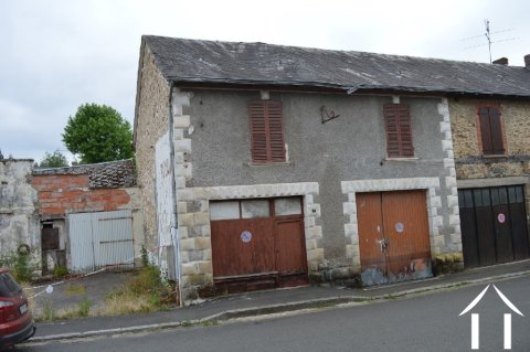 Village house to renovate Ref # Li440