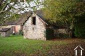 Stone house to renovate on 1.800 m² Ref # Li454 image 15