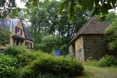 House in private surroundings with guesthouse, barns and 5 acres Ref # Li487 Main picture