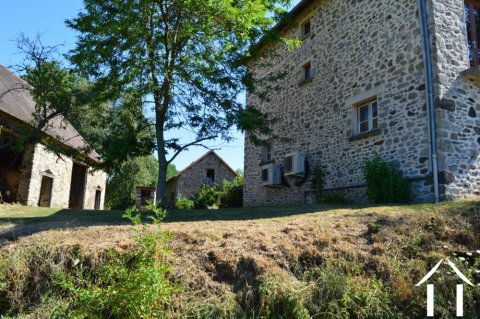 Build your own guesthouse in the country with house, barn and over 1 ½ acre Ref # Li497 Main picture