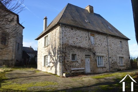 16th Century character house with barn, garage and land Ref # Li540