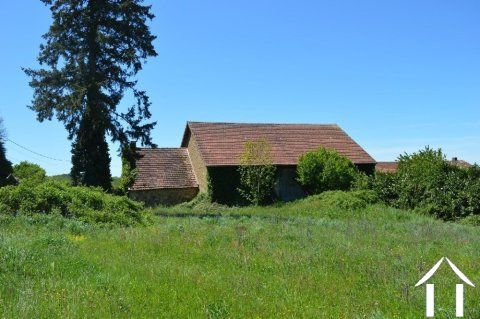 19th century house with large barn and 1½  acre Ref # Li556