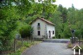 Railway cottage near the river La Vienne Ref # Li566 image 32